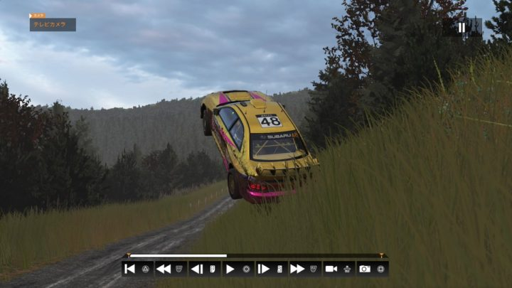 コースアウトして空を飛び、奇跡的に道路に着地したスバルWRC,セバスチャン・ローブ・ラリー