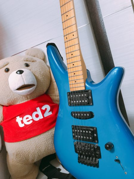 最近、ギターひっぱりだしてきて弾いてるぽ