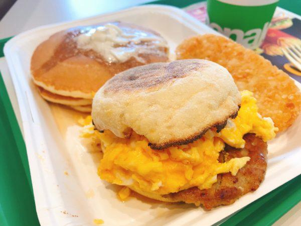 【マクドナルド】一番でっかいのは「ビッグ・ブレックファスト・デラックス」に決定