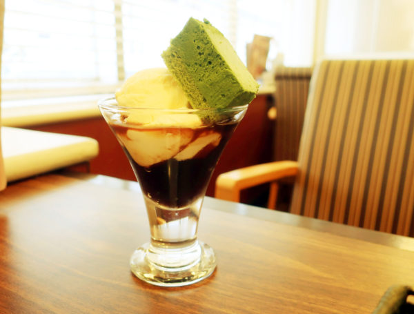 【ジョナサン】抹茶あずきパフェが199円なら秒で注文でしょう笑